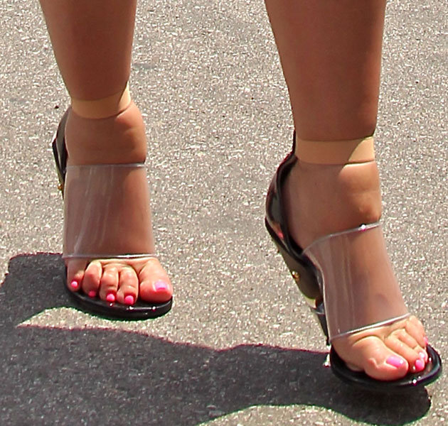 Even Kim Kardashian wasn't safe from the attack of sausage toes!